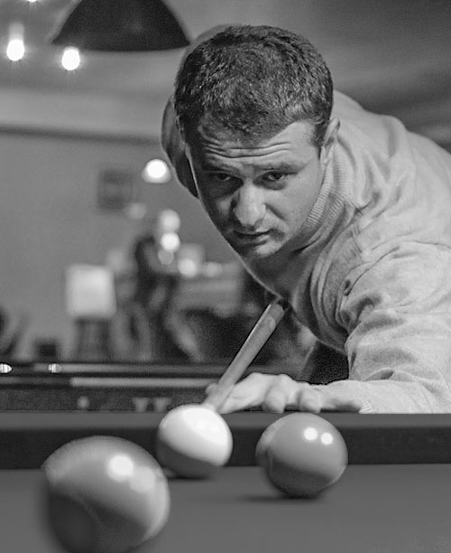 home_billiard_player4